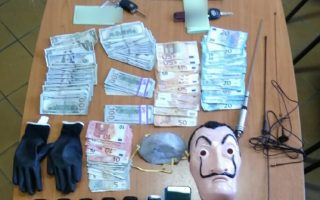 suspected-burglary-gang-arrested-in-agrinio-western-greece