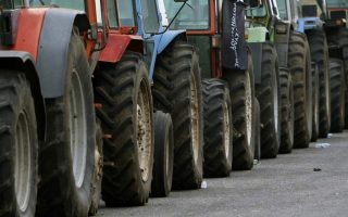 farmers-to-start-scaling-back-roadblocks-amid-impasse