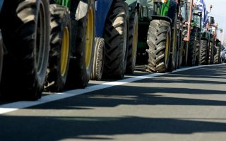 farmers-to-block-roads-in-central-greece-on-dec-40