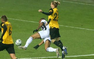 paok-downs-aek-to-stay-a-point-behind-the-reds