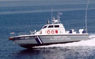 rescue-operation-for-55-migrants-stranded-in-boat-off-messenia
