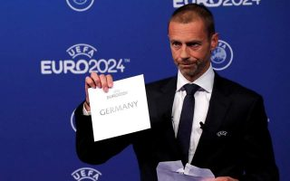 greek-minister-meets-with-uefa-president-in-switzerland