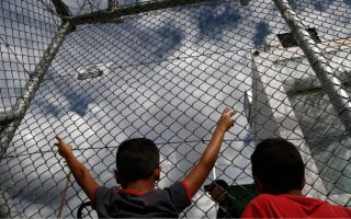greek-islands-see-280-migrant-arrivals-in-one-day