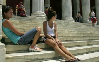 greek-tourism-draws-interest-of-both-us-visitors-and-investors