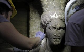 amphipolis-tomb-to-be-opened-in-2020-minister-says0