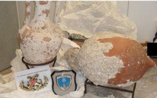 trucker-nabbed-smuggling-antiquities-from-patra-port