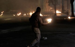 thirteen-arrested-during-clashes-in-central-athens