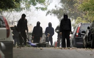 anarchists-firebomb-pasok-offices-in-central-athens