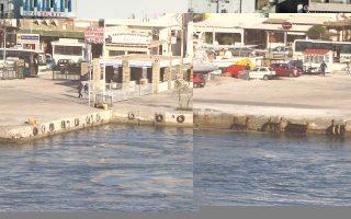 ferry-runs-aground-near-andros