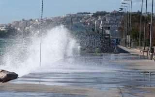 strong-winds-lower-temperatures-to-sweep-across-greece