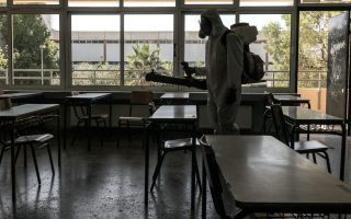 three-schools-disinfected-in-thessaloniki-after-student-infections
