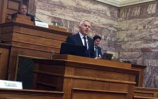 greece-making-effort-to-de-escalate-tension-from-amp-8216-dangerous-amp-8217-turkish-violations-defense-minister-says
