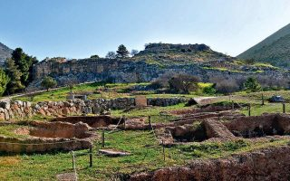 archaeological-site-guards-on-strike