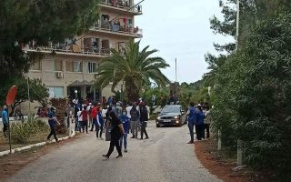 ministry-closing-hotels-on-mainland-hosting-migrants0