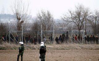 migrants-police-clash-again-on-greek-turkish-border