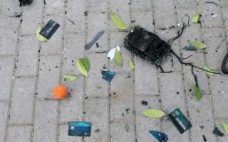 atm-blast-outside-supermarket-in-pyrgos-causes-damage-no-injuries