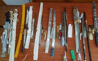 drugs-knives-seized-in-surprise-police-raid-in-avlona-prison0