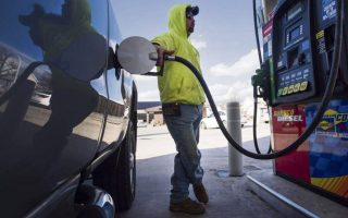 greek-cypriot-drivers-fill-up-north-as-south-fails-to-meet-eu-green-targets