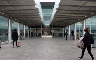 england-adds-cyprus-to-travel-quarantine-list0