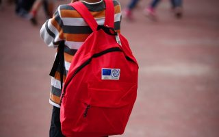 first-day-of-school-for-refugees-few-protests