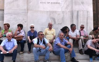 greek-businesses-buffeted-by-economic-storm