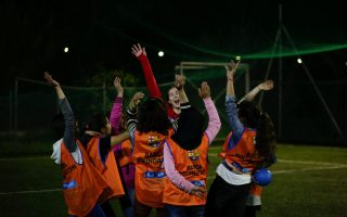 barca-seek-to-turn-lesvos-camps-into-fields-of-dreams-for-child-refugees0
