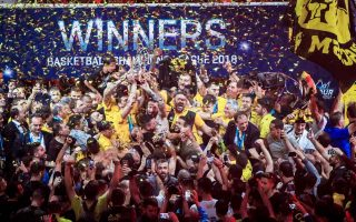 aek-wins-the-basketball-champions-league-on-50-year-anniversary-of-its-first-euro-trophy