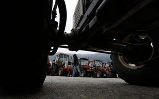 greek-farmers-ramp-up-motorway-blockade-over-pension-reforms