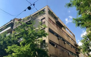 memories-of-the-blue-building-in-exarchia