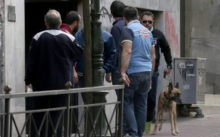 bomb-alert-in-central-athens-a-hoax