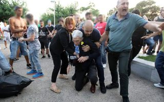 nationalist-mob-beats-mayor-of-thessaloniki