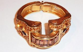 vintage-costume-jewelry-the-beauty-of-faux