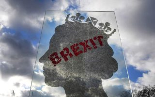 bloomberg-greece-working-to-shore-up-tourism-against-no-deal-brexit