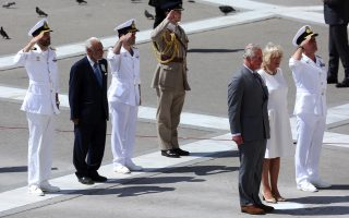 prince-of-wales-duchess-of-cornwall-lay-a-wreath-at-tomb-of-unknown-soldier