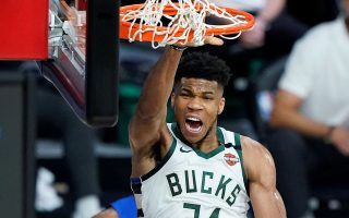 antetokounmpo-signs-5-year-228m-extension-with-bucks
