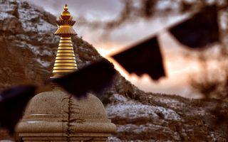 meditating-in-corinthia0