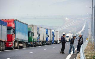 more-than-2-800-vehicles-stuck-on-greek-bulgarian-border