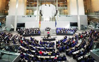 german-parliament-approves-last-loan-installment-to-greece