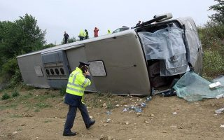 at-least-14-schoolchildren-injured-as-bus-overturns-in-northern-greece
