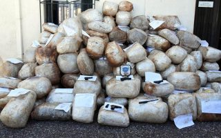 coast-guard-releases-video-of-chase-after-drug-smugglers0