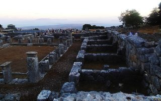 an-online-donation-box-to-save-the-ancient-theater-of-cassope