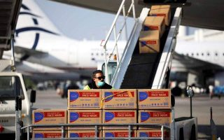 chinese-plane-with-medical-supplies-arrives-in-athens