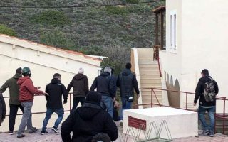 protesting-islanders-barge-into-chios-hotel-eight-officers-injured