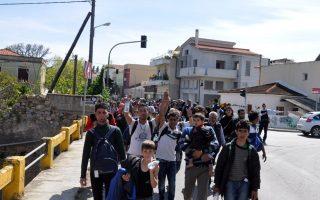 refugee-crisis-deals-blow-to-island-tourism