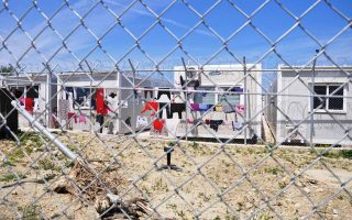 state-minister-local-officials-to-discuss-chios-migrant-crisis