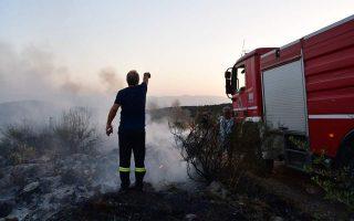 firefighters-battle-blaze-on-corfu
