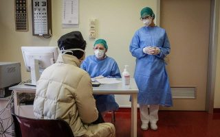 one-in-two-greeks-expects-to-be-infected-with-the-coronavirus