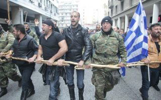 greek-farmers-head-for-athens-for-protest-against-taxes
