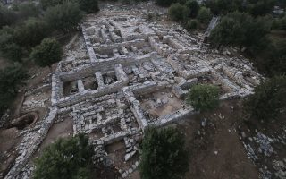 in-the-footsteps-of-minoan-worshippers
