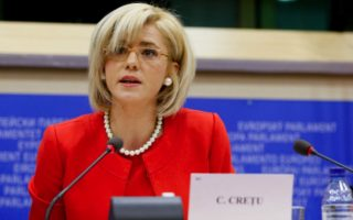 eu-official-to-visit-chios-as-tension-grows-over-camps